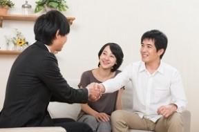 商談が成立した営業マン